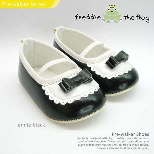 Annie Black Condition  New  Type: Pre-walker Shoes Material: Synthetic Leather   Size available : Size 3   (3-6m) 11cm Size 4   (6-9m) 11.5cm Size 5   (9-12m) 12cm  http://baby.letimahouse.com   Text & Whatsapp: +62-877-8080-6878 #sepatubayikeren #sepatubayiindo #sepatubayi #sepatubayiimut #freddiethefrogindo #freddiethefrog #freddiethefrogshoes #Jualsepatubayi #prewalkershoes #prewalker #tokobayimurah #tokobayi #tokobayijakarta #balita #batita