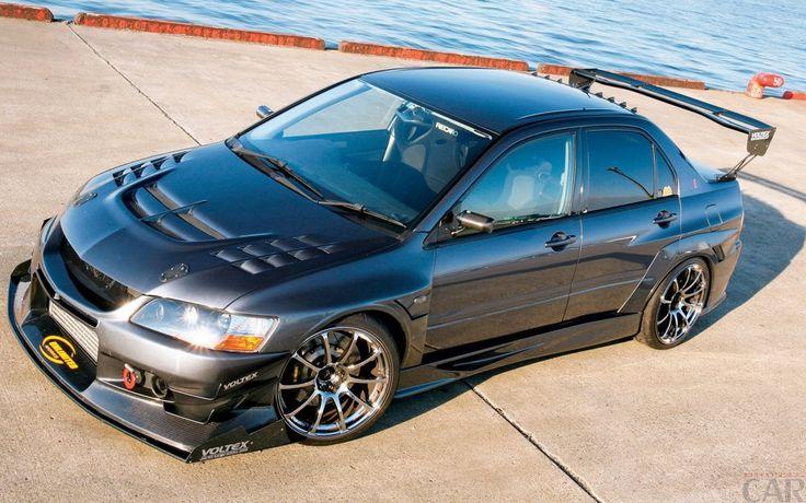 Photos de première classe voiture de marque Mitsubishi Lancer Evolution 8