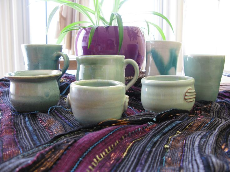 mix of spice bowls and cups.