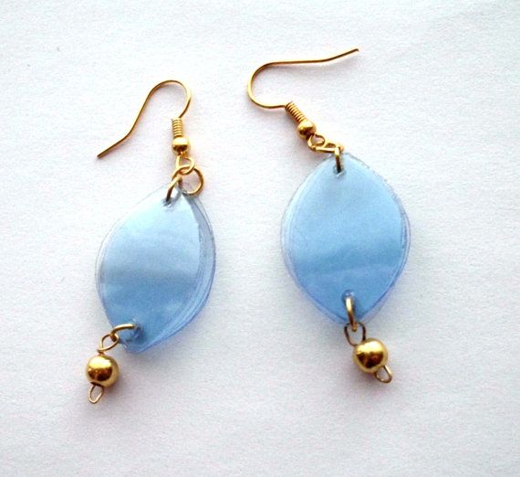 112 best images about recycle fashion accessories on pinterest for Jewelry made from plastic bottles