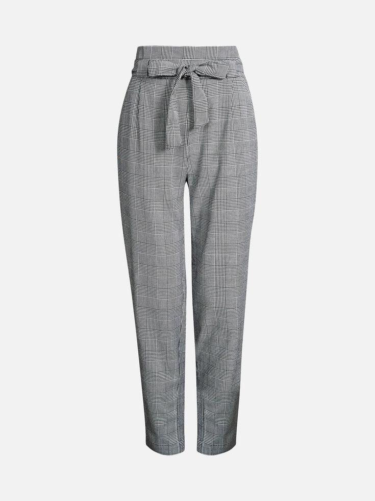 Bukser med høy midje og avsmalnende ben. Lommer i sidene og belte i livet. Multi