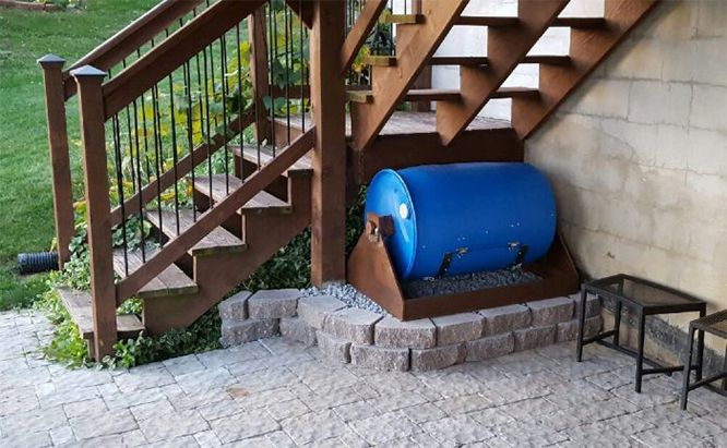 How to Build a Compost Barrel (With Photos)
