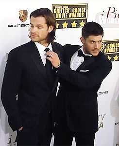 Okay, so I watched this video. The remarkable thing, I think, is that Jared seemed very stiff, somewhat uncomfortable, and really very tense. Gen wasn't there, either. But as soon as Jensen was next to him, fiddling with his tie, all his tension seemed to disappear. That is the type of friendship I hope to find someday.