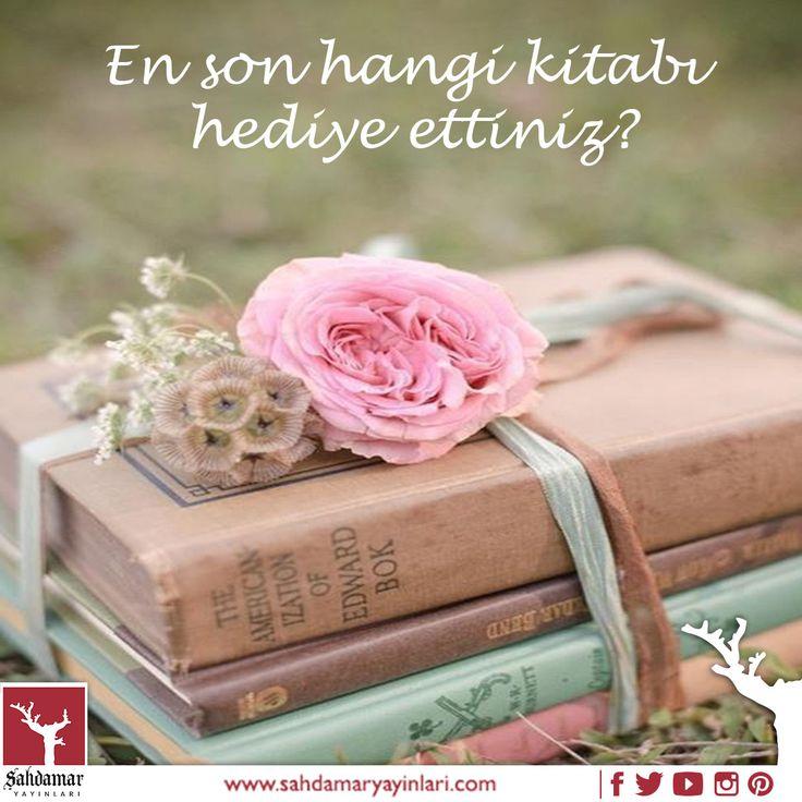 En son hangi kitabı hediye ettiniz? #şahdamar #şahdamaryayınları #risale #risaleinur #nurlar #kitap #book #kitaplar #engüzelhediyekitap #kütüphane #kitapokumak #kitapsever #kitapçı #kitapcı #hediye #hediyeleşmek