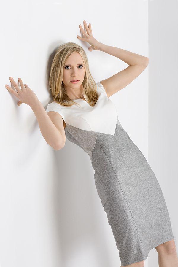 Lniana sukienka z wyszczuplającym wzorem. Sliming mode lilen dress. http://www.bee.com.pl/e-sklep/