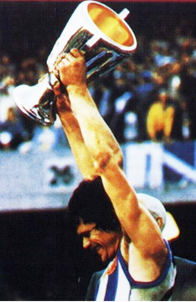 David Dench. Played 1969-1984. Games North Melbourne 275. Premiership player 1975, captain 1977.