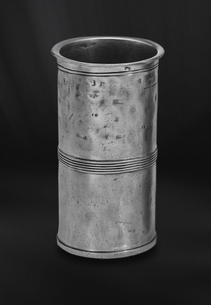 Pewter Measuring Beaker - Capacity: 1 lt - Diameter: 10 cm (3,9″) - Height: 18 cm (7,1″) - Food Safe Product - #pewter #measuring #beaker #peltro #misurino #zinn #messbecher #étain #etain #bécher #mesure #vase #peltre #tinn #олово #оловянный #drinkware #barware #tableware #dinnerware #table #accessories #decor #design #bottega #peltro #GT #italian #handmade #made #italy #artisans #craftsmanship #craftsman #primitive