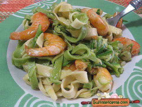 Tagliatelle paglia e fieno mazzancolle e zucchine - Gustose ricette di cucina
