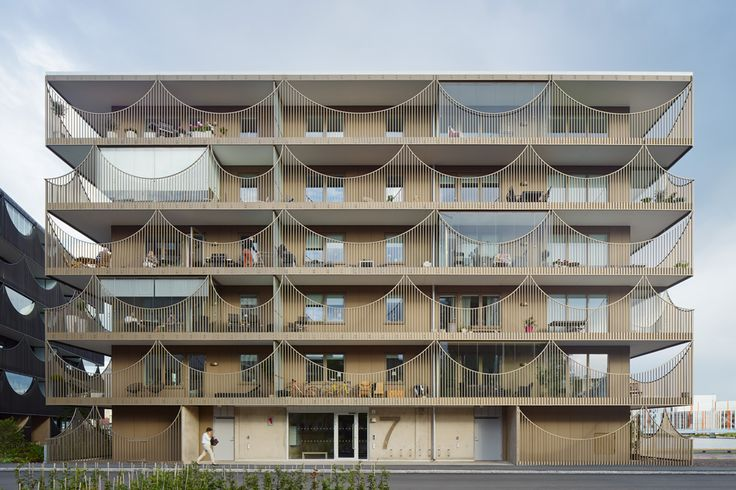 Completed in 2015 in Jönköping, Sweden. Images by Åke E:son Lindman. Located on the quayside of the Munksjön lake, these two urban housing blocks are based on a long term strategy of sustainability, creating attractive...