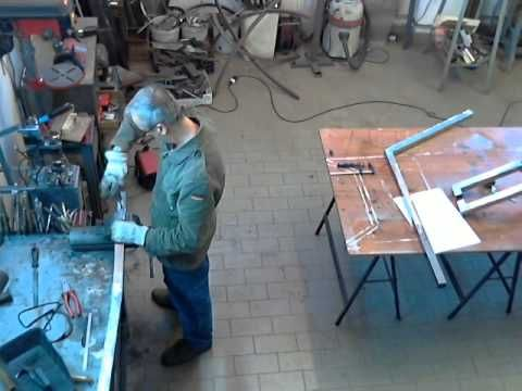 "#Time Lapse #costruzione #scultura luminosa #""James Dino"". - YouTube"