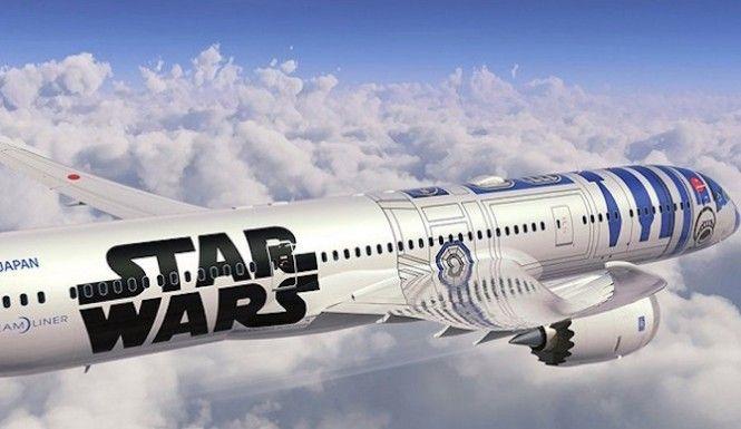 Star Wars Airplane R2D2. #StarWars #ForceAwakens #AllNipponAirways #R2D2 #Droid #Airplane #Boeing787Dreamliner