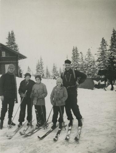 Otto Frank, Claire Schneider, Margot Frank, Buddy Elias and Robert Frank skiing in Switzerland in 1923
