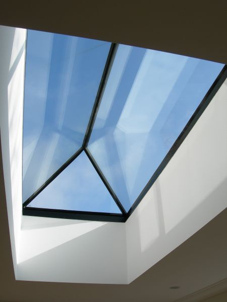 Frameless Roof Lantern = Maximum Light
