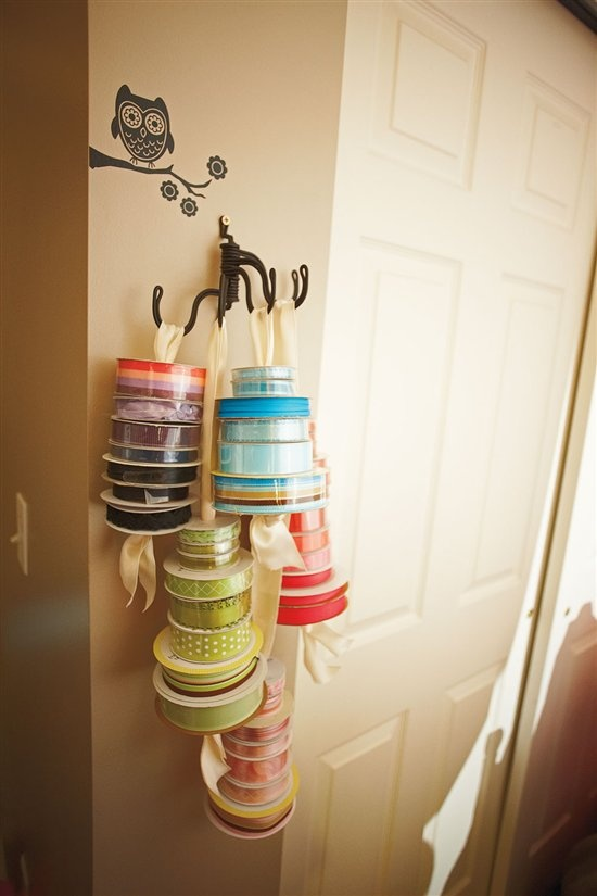 "Another absolutely precious way to ""store/organize"" our craft supplies! I need to get my ribbon and find a gadget like this!"