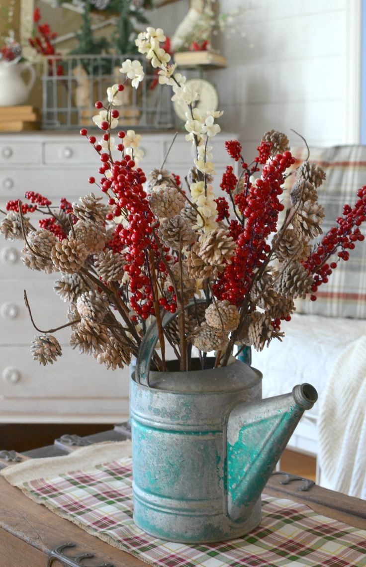 Farmhouse Christmas Centerpiece. Vintage Farmhouse Christmas Decor.