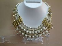 Buy White pearl necklace