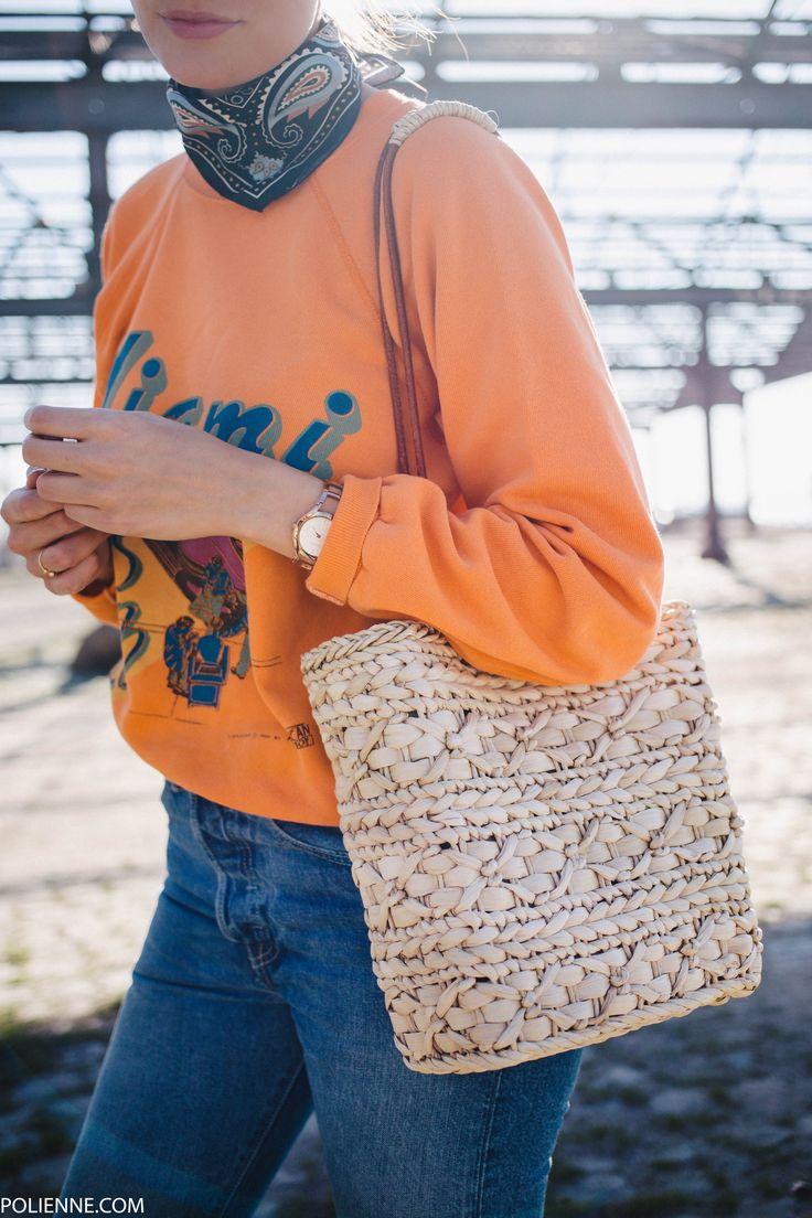POLIENNE by Paulien Riemis | wearing a VINTAGE sweatshirt, PINKO scarf, LEVI'S 501CT denim, H&M golden slides, ZARA straw bag in Antwerp, Belgium
