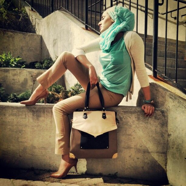 #hijab #hijabi #fashionista #aldo #business #scraf #purse #hamdbag