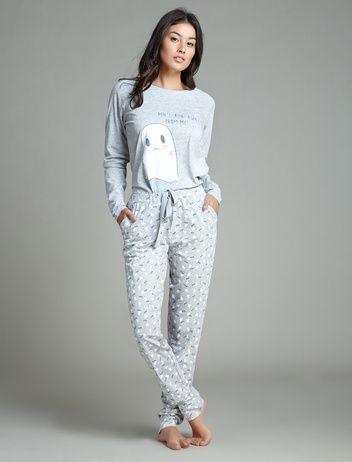 Pijama largo de algodón con estampado de fantasma. 29,99 €