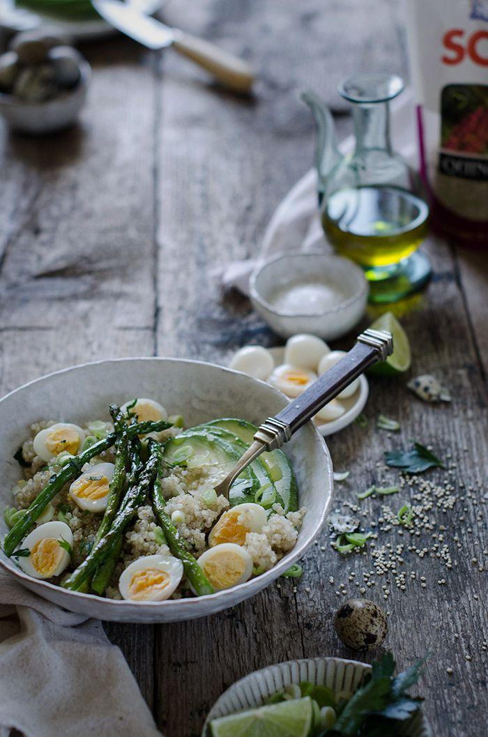 Ensalada de quinoa, aguacate y espárragos a la plancha | Quinoa, avocado and roasted asparragus salad  http://saboresymomentos.es