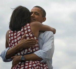 Mañana es 8 de enero. Primer 8 de 2014. Los abrazos son la mejor arma de emoción masiva.  #8abrazos para un gran año