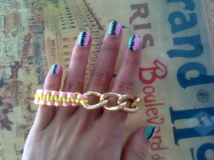 macrame bracelet with gold chain