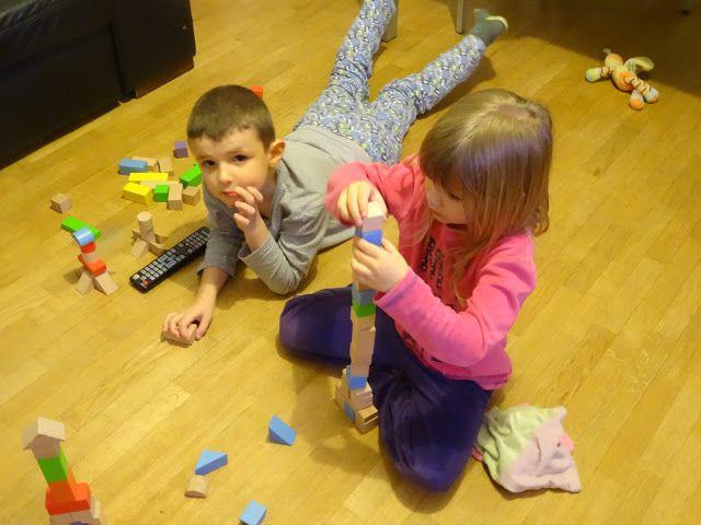 IEF - Maman est ma maîtresse !: Les blocs de bois