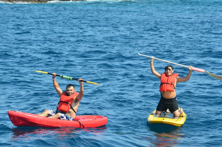 Actividades acuáticas en las Islas Marietas - Puerto Vallarta - Riviera Nayarit - México      #Kayaking #Paddleboarding #VallartaByBoat #PuertoVallarta #FelizLunes #Aventures #