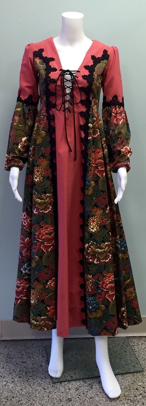 Gunne Sax Jessica McClintock Black Label Renaissance Tapestry Gown and Cape | eBay