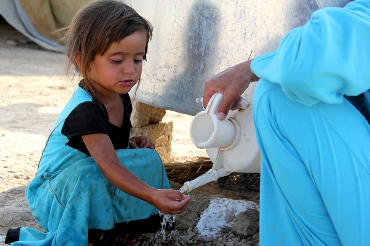 #Siria, è allarme per 1,3 milioni di bambini coinvolti nel conflitto. L'UNICEF in azione per garantire aiuti umanitari, kit medici e generi di prima necessità. www.unicef.it/siria