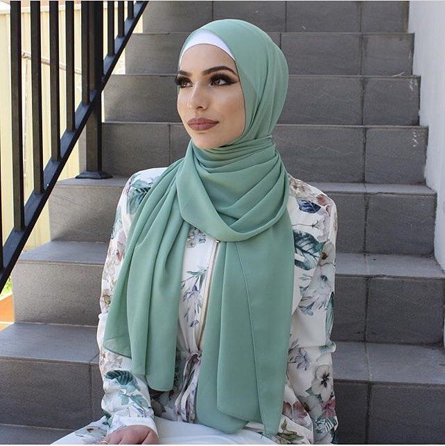 "3,337 Likes, 9 Comments - Ziya Zaren Magazine (@hijabstyle_lookbook) on Instagram: ""The beautiful @retta.a 😍😍😍😍😍😍😍😍❤️❤️❤️❤️❤️❤️❤️❤️ #hijab #modesty #model #modest #love #hijabvideo…"""