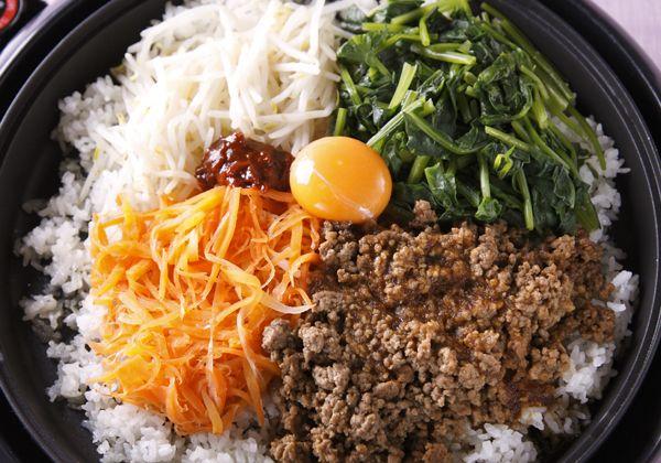 「ホットプレートの石焼風ビビンバ」の料理レシピ/完成イメージ
