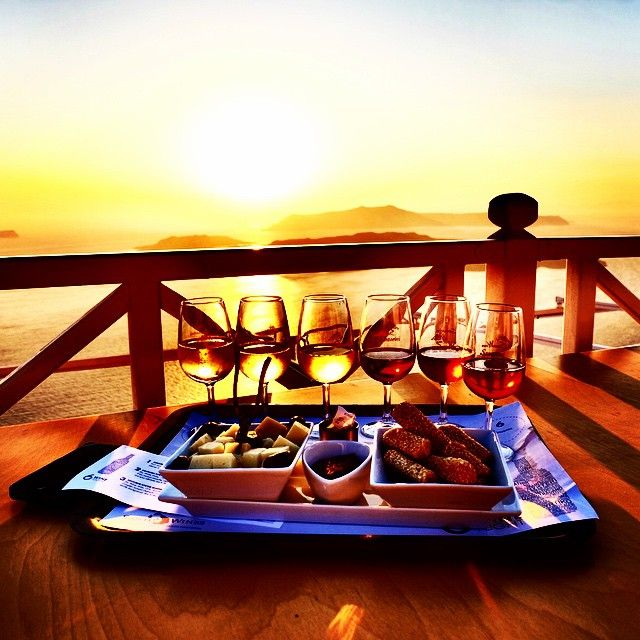Picturesque scenerey... #Sunset #WineTasting #Santorini Photo credits: @eliana_daisy