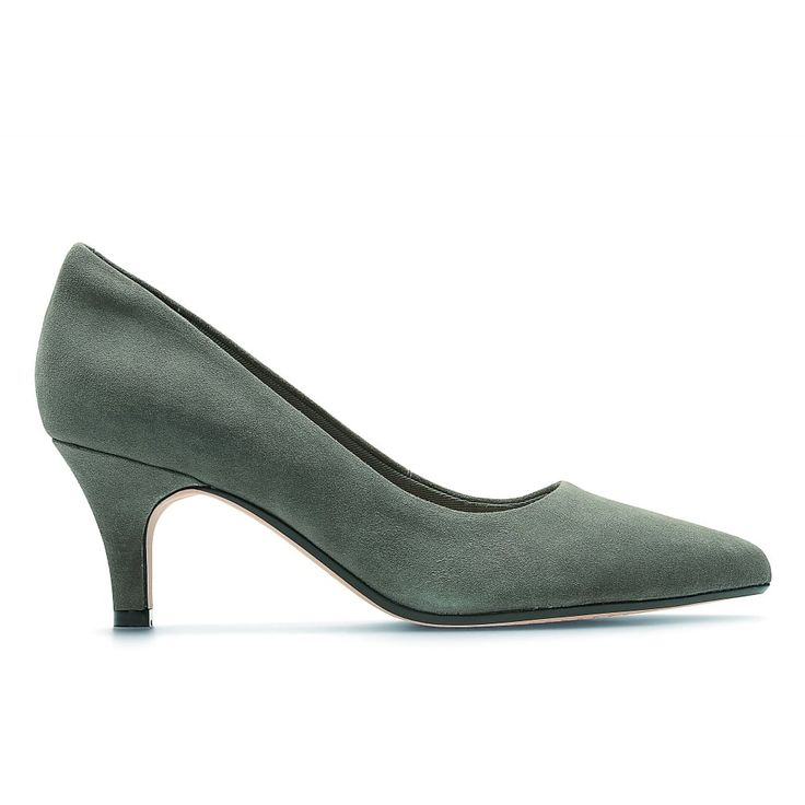 Isidora Faye, add a touch of elegance with these beautiful mid-height pointed courts. In dark grey suede and with a 6.5cm stiletto heel, this style is set to be your new wardrobe staple. Our designers have teamed a padded heel lining with Cushion Soft technology to offer comfort and support. http://www.marshallshoes.co.uk/womens-c2/clarks-womens-isidora-faye-dark-grey-suede-court-shoes-p4575