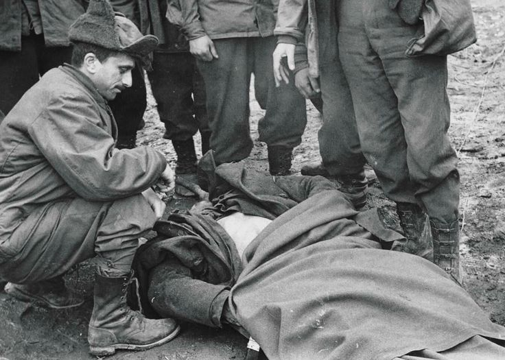 Died a Turkish Army soldier and other Turkish Army members in Korean War. Source:Tunca Örses