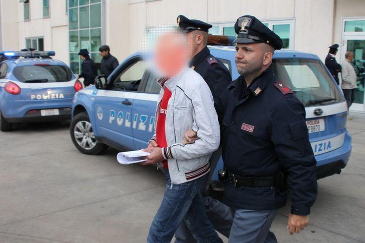 Polizia di Stato sorprende ladri in flagranza a cura di Redazione - http://www.vivicasagiove.it/notizie/polizia-di-stato-sorprende-ladri-in-flagranza/