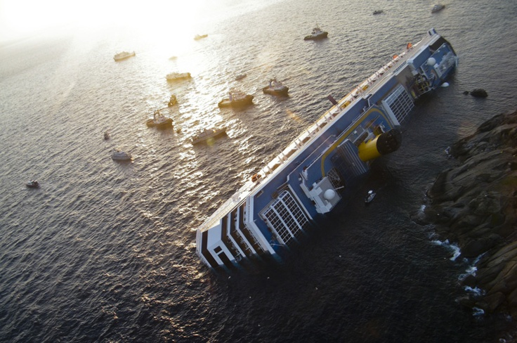 Costa Concordia: Italian Cruise Ship Capsizes via TPM