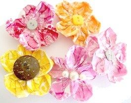 Starburst Flower Hair Clips  http://craftbits.com/project/starburst-flower-hair-clips/