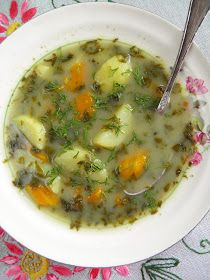 Zupa dobra na rozruszanie:) U mnie dość kwaśna, ale takie zupy lubię, zwłaszcza gdy spada ciśnienie i głowa nie do końca chce ze mną współ...