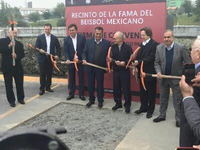 Monterrey, N.L.- El Lic. Lorenzo Peón Escalante, Delegado Consejero del Recinto de la Fama del Beisbol Mexicano, estuvo en Monterrey con la ...