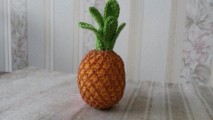 Ananas Háčkované ovoce - ananas (výška 10-11 cm). Napříkladpro malé pomocnice maminek v kuchyni. Může sloužit jakopomůcka k učení barev, cvičení jemné motoriky,počítání, rozpoznávání druhů ovoce atd. Uvedená cena je za 1 kus. Na požádání udělámoko pro zavěšení. Děkuji, že nekopírujete mé nápady:)
