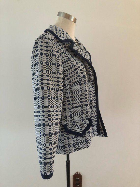 ON SALE Vintage 1970s Blazer / Polyester Jacket / 70s Top / Blue and White Blazer / 70s Ladies Jacke