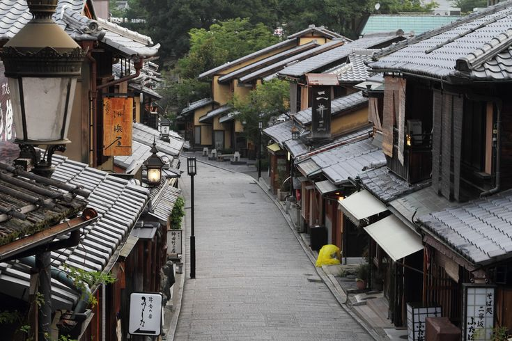 This is Yasaka town, one of very famous streets in Kyoto. This is early morning, so nobody was walking on the street, but at noon, it is crowded with a lot of visitors everyday.