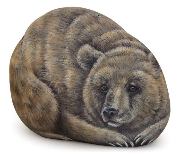 Brown bear - acrylic on stone - cm. 11 | Rockpainting art by Roberto Rizzo | www.robertorizzo.com