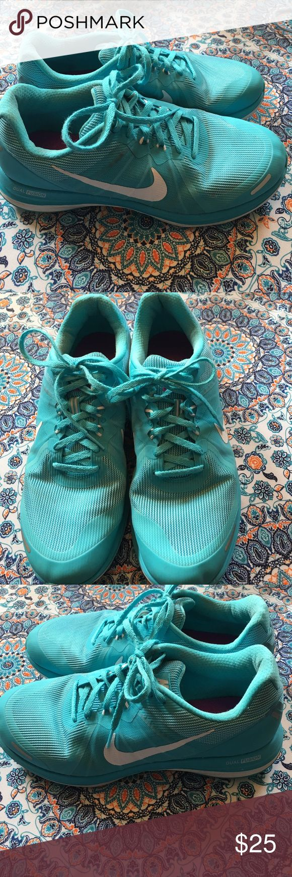 Nike Dual Fusion Size 10 Ladies Shoes Athletic Teal Nike dual fusion size 10. Nice condition. Has some slight discoloration as shown under the clear back trim. See photo. Otherwise great shape. Nike Shoes Athletic Shoes