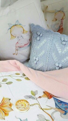 Alice in Wonderland #bedding and a unique blanket for children #blanketstory #uniquecollection #foryourkids #idealgift #Polishillustrator