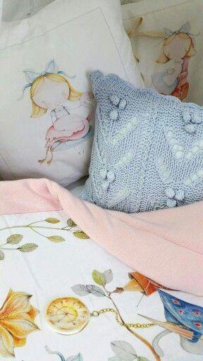 Alice in Wonderland #bedding and a unique blanket for children #blanketstory #uniquecollection #foryourkids #idealgift #Polishillustrator