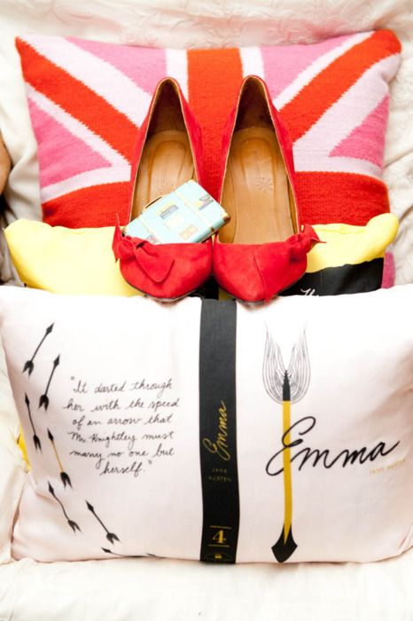 I love this idea of putting book quotes (and especially Jane Austen) on a pillow