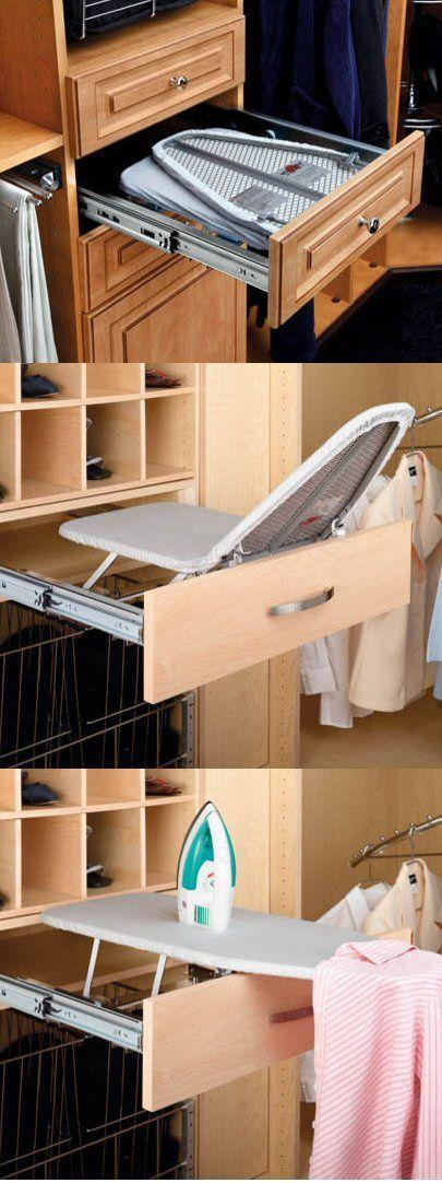 Folding Built-In Ironing Board. Clever!///ONDER TUINTAFEL BEVESTIGEN OM BUITEN TE STRIJKEN