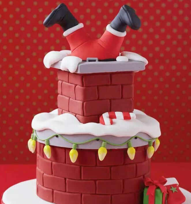 Here comes Santa...love this cake
